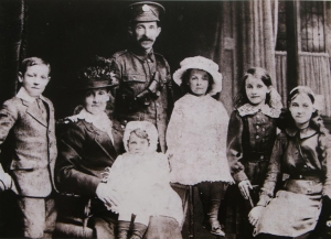 Sergeant Thomas Heaney, his wife Catherine and their children Thomas, Agnes, Winifred, Ellen and Mary